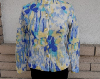 Vintage 50s Sweater . Pinup Sweater . Blue Yellow Print Cardigan . Cropped Cardigan Size Small
