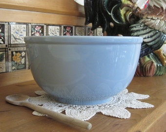 Mid Century Lu-Ray Pastel Large Mixing Bowl Awesome Windsor Blue by TS&T