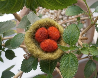 Felted nest with eggs brooch - moss green nest with russet eggs pin - OR - saffron yellow nest with blue eggs badge