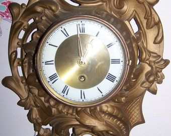Vintage Mid Century Unknown Maker Eight Day Windup  Metal Wall Clock