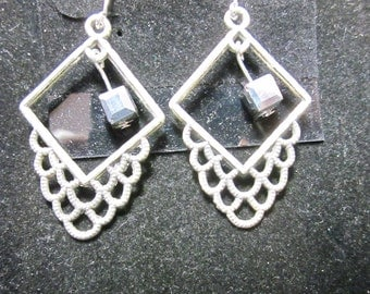 Earrings Jen 6 squares silver beads