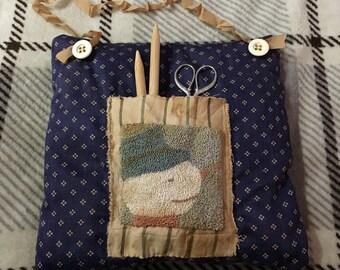 Primitive punchneedle hanging pocket pillow