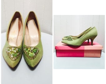 Vintage 1940s Green Raw Silk Foot Flairs Heels, Lime Sequins - 6 1/2-7
