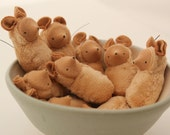 Small mouse ornament waldorf toy nature table MOT1