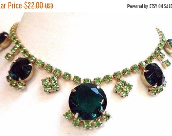 Stunning Vintage Emerald Green Rhinestone Choker Necklace