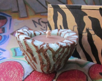 Gift Idea,Zebra Pattern Beeswax Candle Gift Set, Hand Painted Candle and Gift Box, Made to Order, Eco-friendly Gift Set, Brown and Green