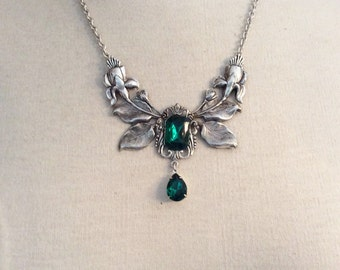Necklace emerald green silver floral necklace Bridal necklace Victorian necklace Victorian jewelry Flower necklace silver plated necklace