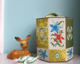 Daher Tin, Pretty Floral Tin, Mid Century Tin, Octagonal Tin, Vintage Candy Tin, Cookie Tin, Toffee Tin, Biscuit Tin, Kitchen Canister