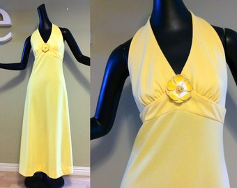 Vintage 70s Yellow Halter Maxi Dress & Mod Flower Pin 60s 1970s Hippie Boho Disco Prom Dress Lemon Yellow Sexy Backless Spring Summer Party