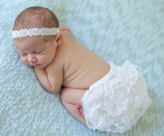 Newborn White Lace Bloomers and Embroidered Flower Trim Headband, newborn photos, by Lil Miss Sweet Pea Boutique, foto bebe