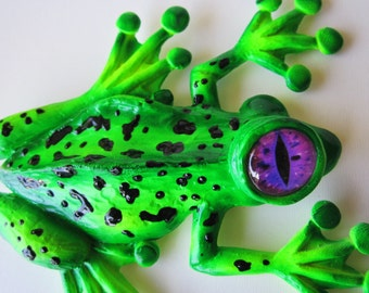 Whimsical tree frog art wall sculpture