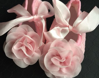 Baby Girl  pink  Lace  Crib Shoes  ,Baby Shoes,chiffon  rosette ,Christening, Baptism, Wedding,infants shoes.