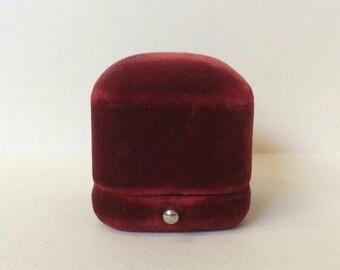 Fab Red Ring Box velvet wedding ring jewelry display presentation Vintage Antique Ohio