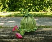 Whimsical felted green bell flower hat - Fantasy hat - Photography Prop - Designer hat - Newborn Flower hat - Pixie hat - Photo prop