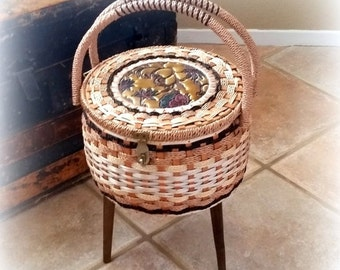 FALL SALE 3-legged Sewing Basket - Mid Century Charmer - Floral Leaf Accent - Vintage Sewing Basket