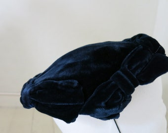 Dark blue velvet hat from the 50s