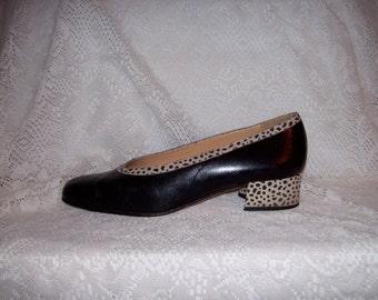 Vintage Ladies Black Leather Pumps by Coup d'etat Size 8 Only 7 USD