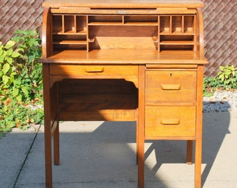 Antique Red Oak Rolltop Desk