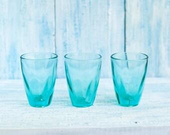 Christmas Sale 15 % Holiday Decorations - Christmas Decor - Vintage Glasses - Vintage Glasswares - Vintage Drinking Set