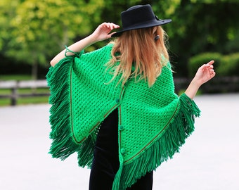 60s Green Knitted Poncho Vintage Apple Green Fringe Poncho