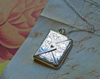 Antique Art Deco Sterling Silver Stamp Case Opening Locket Necklace