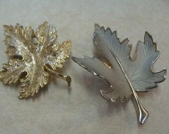 GOLDTONE MAPLE LEAF pin brooch metal plus bonus leaf