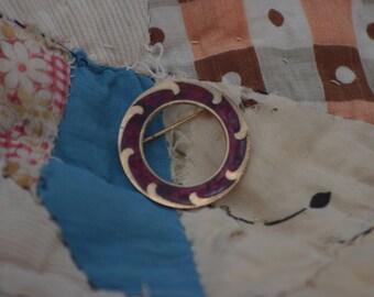 vintage round red pin