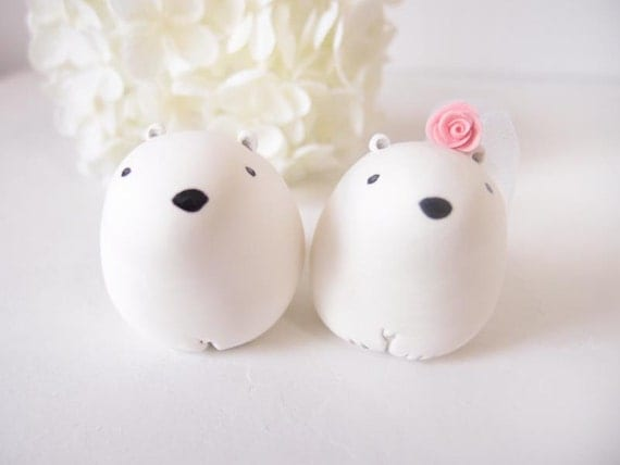 Custom Wedding Cake Toppers - Snow Polar Bear with base