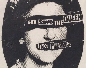 "Sex Pistols Tshirt - God Save The Queen - Newsprint over eyes -Classic Punk Screenprint Tee-M38""-L40""-new"