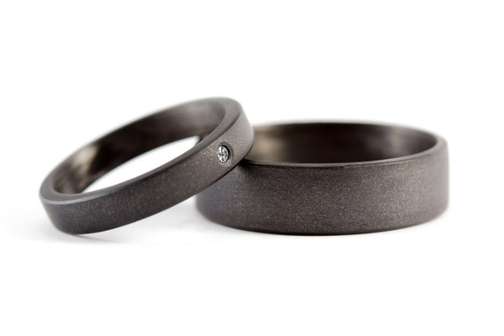 Set of two carbon fiber grey graphite wedding bands with