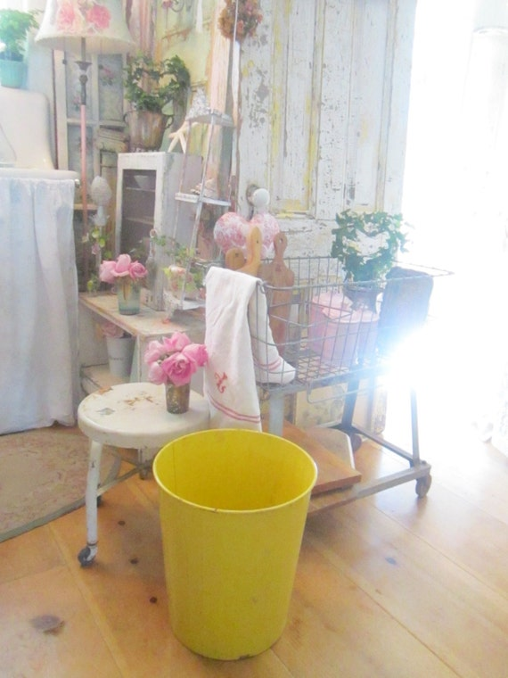 Vintage Chippy Yellow Metal Trash Can Shabby Chic Farmhouse