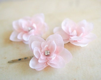 Pink Wedding Bridal Hair Pins Pink Hairpiece Couture Wedding Bridesmaids Headpiece Hydrangea Clips Bridal Accessories Rhinestones (3 pcs)