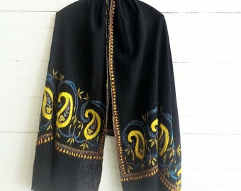 Vintage embroidered woven wool shawl boho wrap