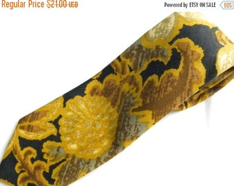 """25% OFF Men's 3"""" Yellow and Blue Cotton VINTAGE Necktie, by S. Gourse & Sons, 1970's, Made in Usa"""