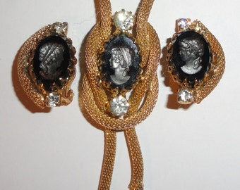 Vintage Gold Tone Mesh HOBE JULIANA STYLE Simulated Hematite Reverse Lady Cameo Necklace & Clip Earrings Set