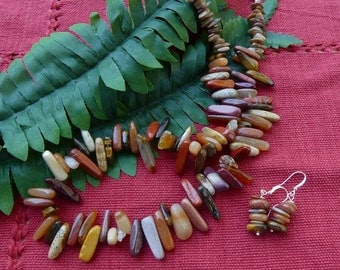 20 Inch Multiple Brown Tones Stick Bead Necklace with Earrings