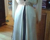 Vintage 1930s Hollywood Glamour Boudoir Cream Satin Vintage Women's Dressing Gown