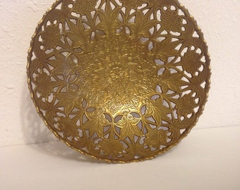 Vintage Brass Dish, Vintage Filigree Dish, Filigree Metal Decor, Vintage Dresser Dish, Brass Bowl, Brass Dish