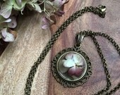 GRACE : a real preserved hydrangea blossom cameo necklace