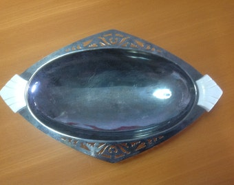 Silver plate pedested tray plate