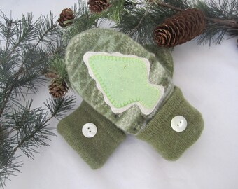 Girl's green mittens appliqued fleece lined age 5-7  OOAK RTS Sugar Cookie mittens