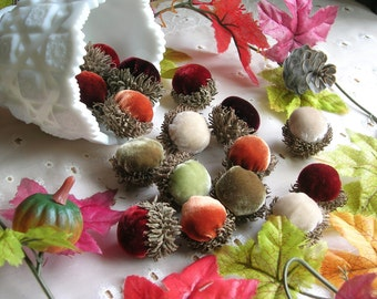 Velvet ACORNS in Real Acorn Caps Fall Wedding Table Scatter Thanksgiving Table Decor Autumn Centerpiece Hostess Gift Fall Decor Tablescape