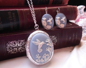 Hummingbird Bird Locket & Earring set Silver Or Bronze setting Cameo Wedding party jewelry