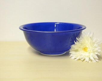 "Cobalt Mixing Bowl - Pyrex Blue Vintage Bowl w/ Clear Glass Base 9 3/4"", Serving Salad Fruit Bowl / Mid Century Modern Retro Kitchen"