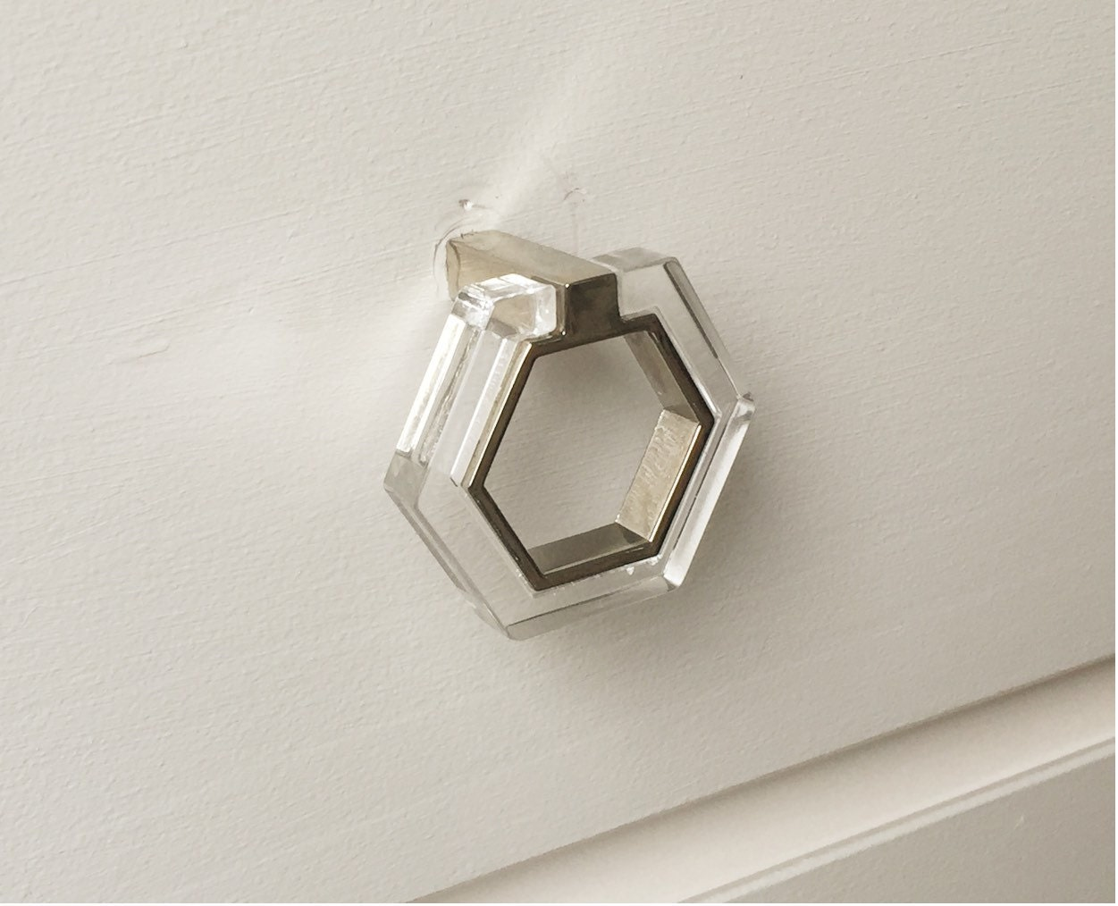 Lucite and chrome modern knob pull lucite knobs drawer for Contemporary cabinet pulls and knobs