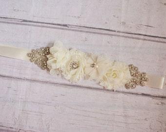 Rustic Flower Girl Sash...Ivory Lace Sash..Bridal Belt / Sash..Bridesmaid Sashes..Maternity Sash...Ivory  / Flower Girl Sashes / ivory