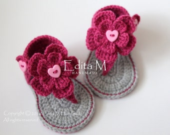 Sale. Crochet baby sandals, gladiator sandals, flower sandals, baby booties, baby girl shoes, grey, gray, dark pink, gift for baby