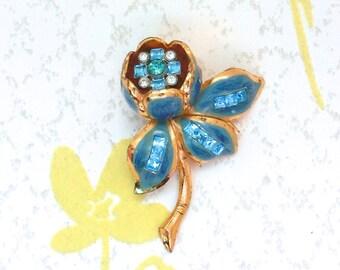 Vintage Gold Art Deco Aqua Rhinestone Enamel Trembler Flower Fur Clip