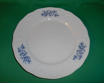 """One (1), 9 3/4"""" Porcelain Dinner Plate, from Rosenthal, in the R448 Pattern."""