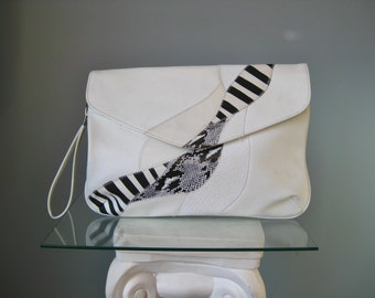 """Statement Clutch / Vtg 80s / """" Bag Bazaar """" Faux Leather Oversize Black and White Clutch / Wristlet / Snakeskin Accents"""